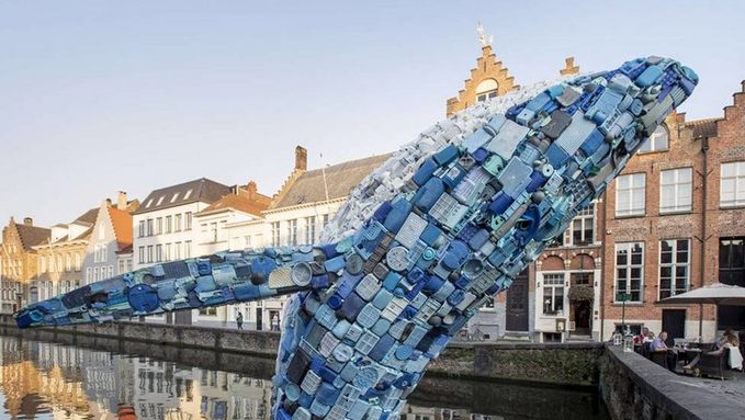 38-foot-tall-Whale-made-of-Plastic-Waste-1.jpg
